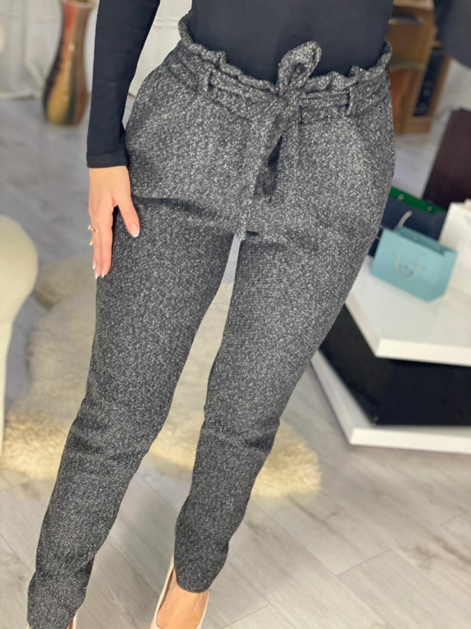 Стильные теплые брюки на каждый день с вшитым поя ...