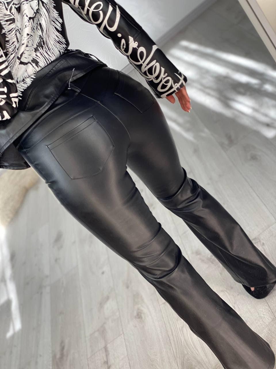 Крутые женские брюки  клеш из кожи на замше